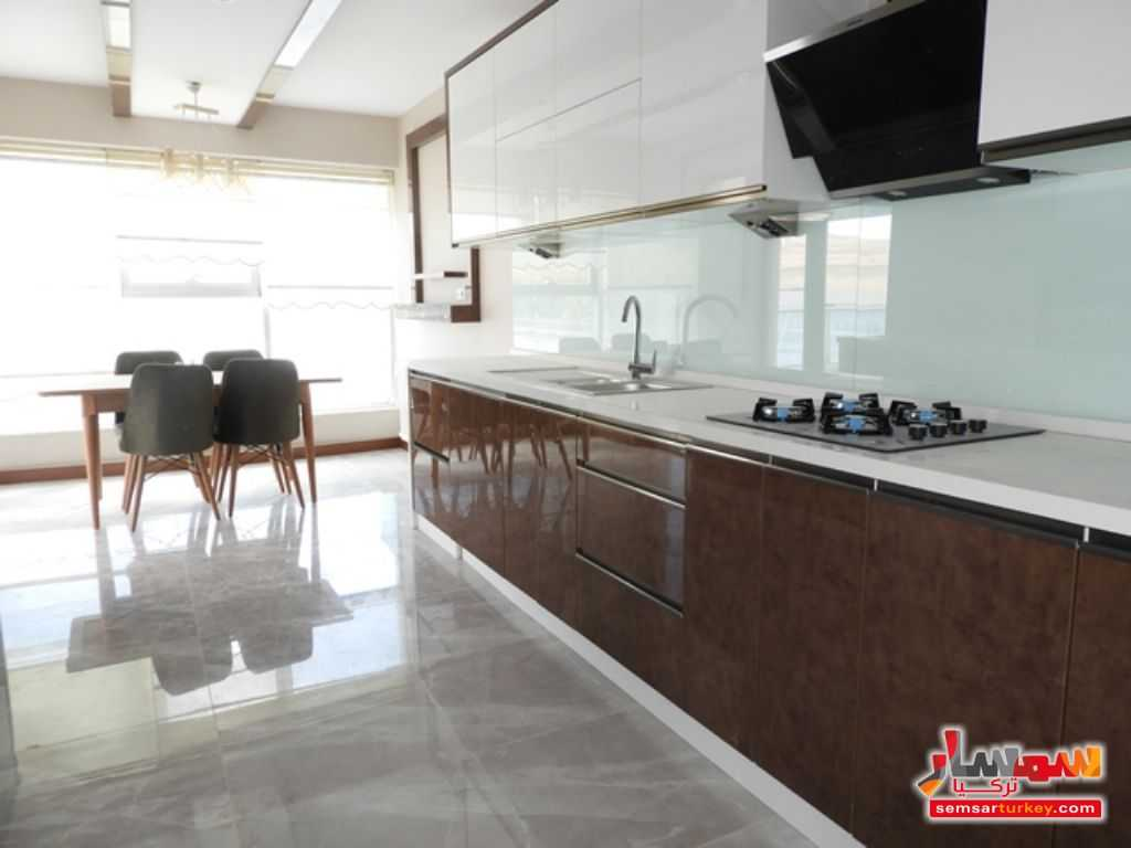 صورة الاعلان: 203 SQM FOR SALE 3 BEDROOMS 1 SALLON TERAS BALCONY- SECURUTY-CLOSED OTOPARK في أنقرة