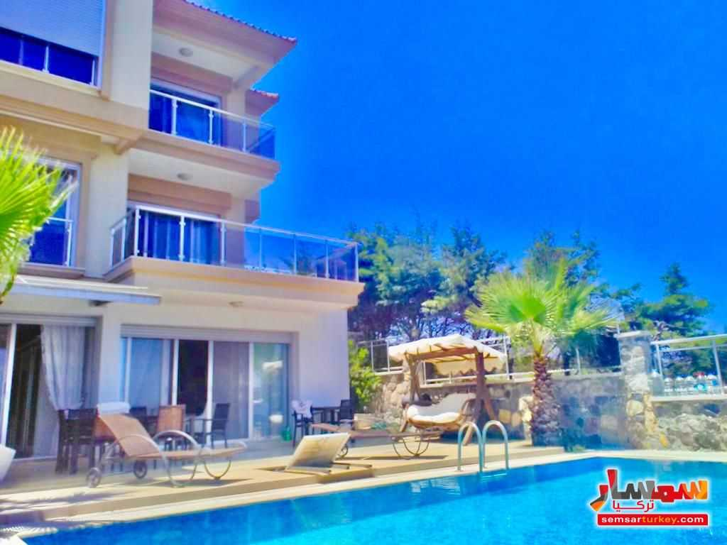 Ad Photo: Villa 5 bedrooms 4 baths 450 sqm extra super lux in chashme Izmir