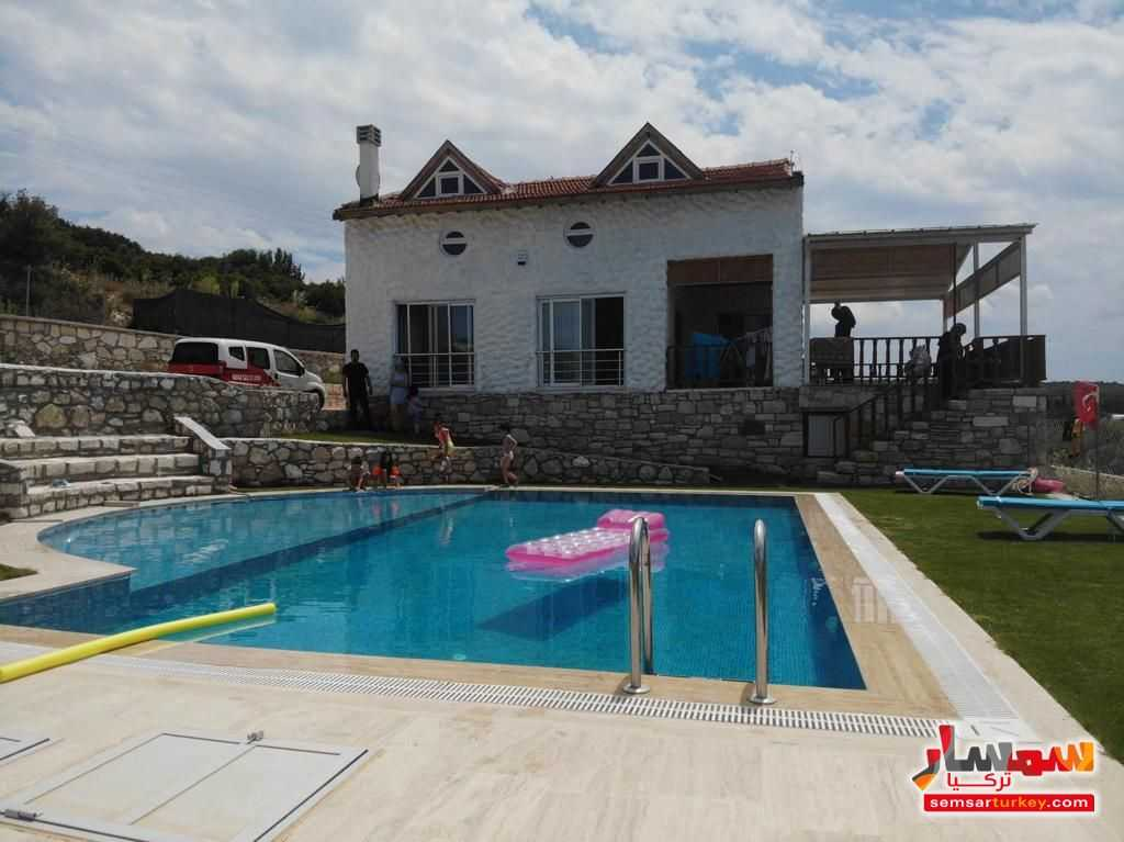 Ad Photo: 5200 sqm land 300sqm villa in chashme Izmir